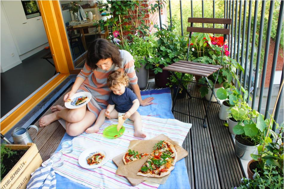 picnic in balcone