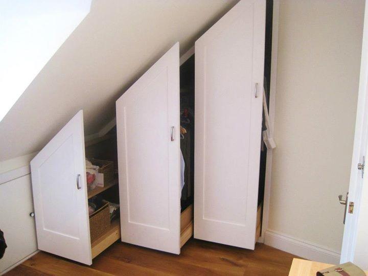 Attico o sottoscala possono nascondere armadi estraibili.