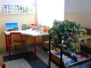 Area scienze - foto della maestra Ginetta Latini