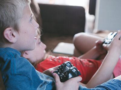 Quando un figlio non vuole mai spegnere i videogiochi
